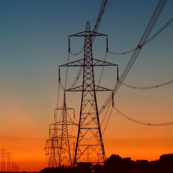 Towards a Competitive Electricity Market: The Berthing of Eligible Customers